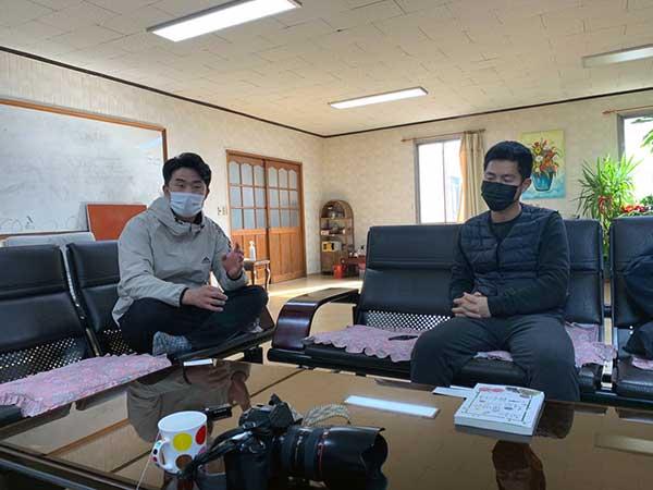 인터뷰에 응해주신 산안마을의 유재호 씨와 이경욱 씨. by 박종무