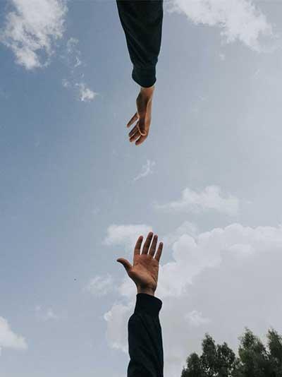 '모야이 나오시 (催合い直し) 운동'은, 나에게 없는 것을 찾지 않고 내가 무엇을 갖고 있는지를 발굴하고 찾는 것으로부터 시작했다. by youssef naddam 출처 : https://unsplash.com/photos/iJ2IG8ckCpA