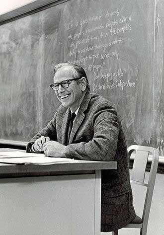 미국의 정치학자 로버트 달(Robert Dahl; 1915-2014) 출처:  https://en.wikipedia.org/wiki/Robert_Dahl